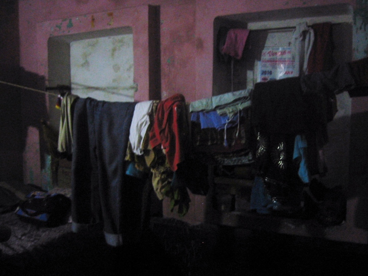 Traditional Hindu house : the rope on which clothes are kept