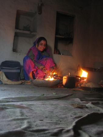 Woman cooking in a tiny Indian village of Madhya Pradesh