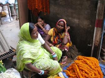 Women selling flower garlands in Varanasi (2008)