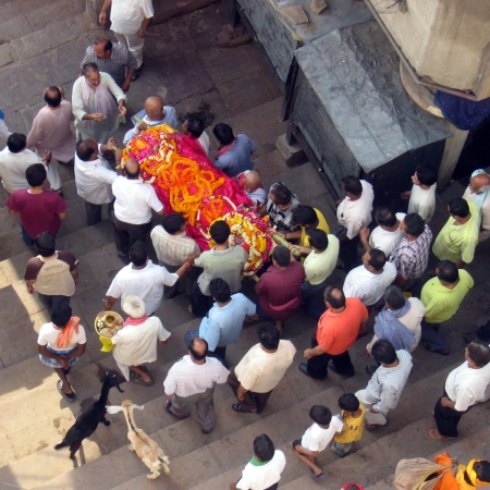 A family brings a body on Harischandra Ghat for cremation (2008)