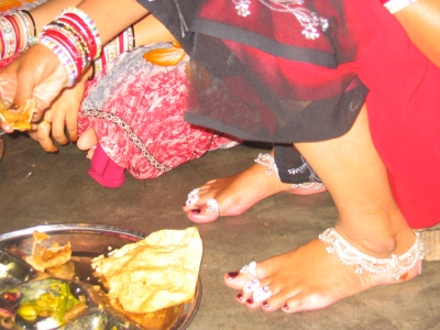 Women in rural India: saree, bangles, toe-rings & anklets (2008)