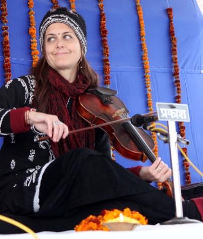 Indian violin: Subah-e-Banaras, Dec. 2014, Varanasi
