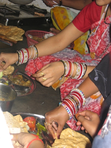 Married Indian women : bangles and mangal sutra