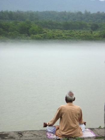 How I became aware of India : Lotus posture, Rishikesh 2008