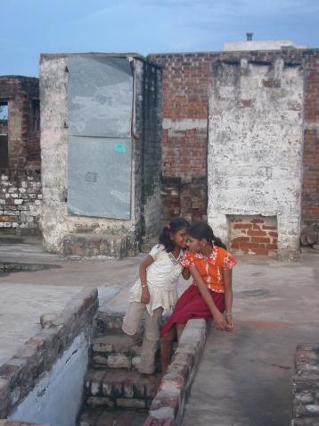 Les deux cabines de toilettes sur le toit